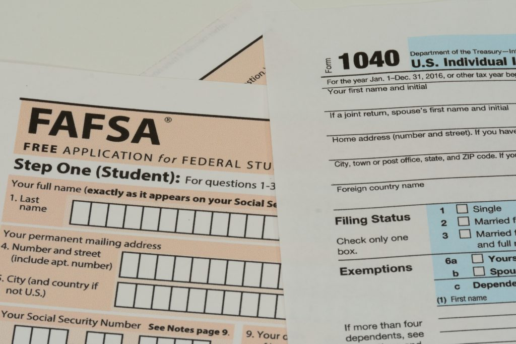Us Irs Form 1040 And Fafsa Application The James G Martin Center